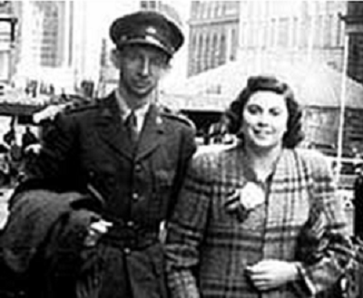 Captain Doug Waterhouse and his fiancée Allison Dawn Calthorpe in Sydney in 1943