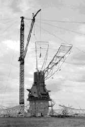 Parkes telescope during construction