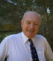 Dr Bruce Hobbs