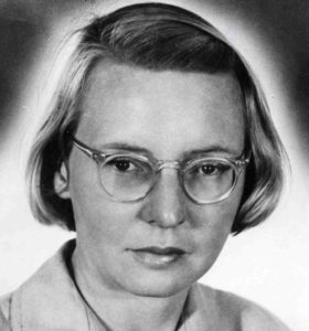Black and white photo of Ruby Payne-Scott